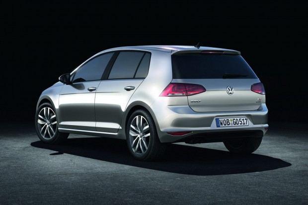 2013-VW-Golf-Seven-22[2]