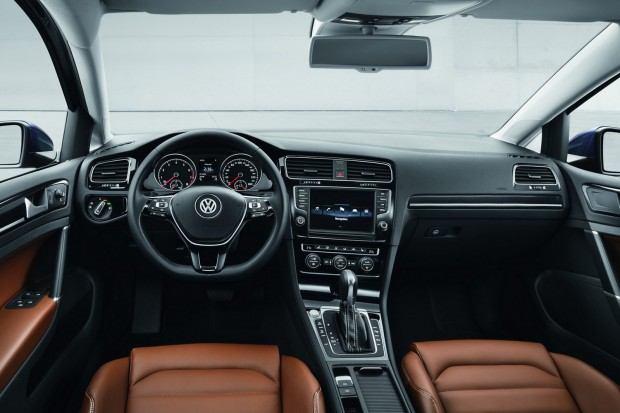 2013-VW-Golf-Seven-25[2]