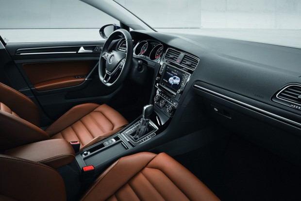 2013-VW-Golf-Seven-27[2]