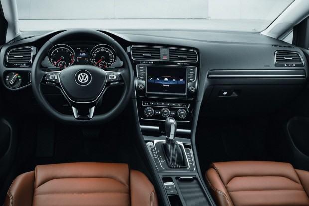 2013-VW-Golf-Seven-28[2]