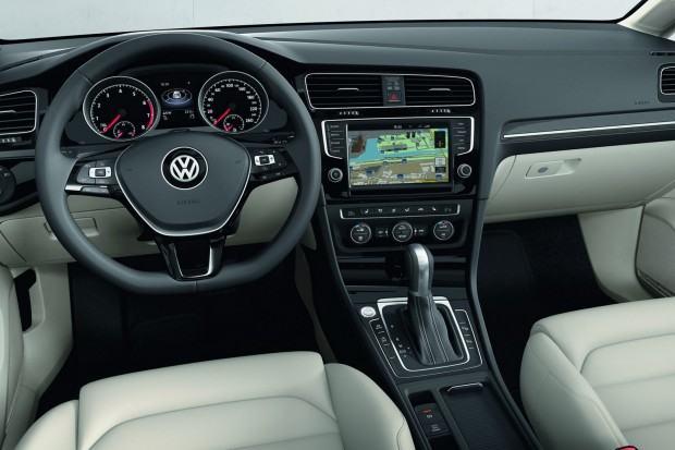 2013-VW-Golf-Seven-29[2]