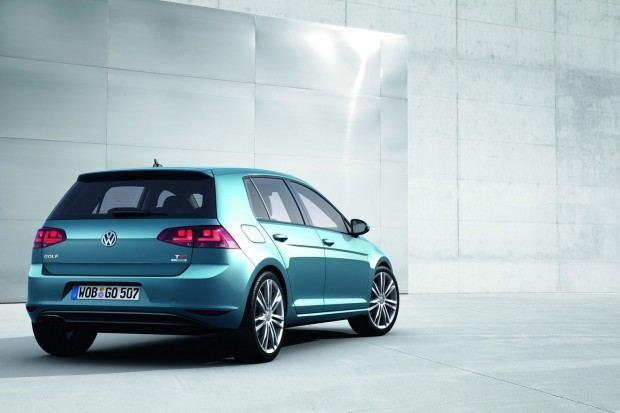 2013-VW-Golf-Seven-8[2]