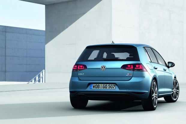 2013-VW-Golf-Seven-9[2]