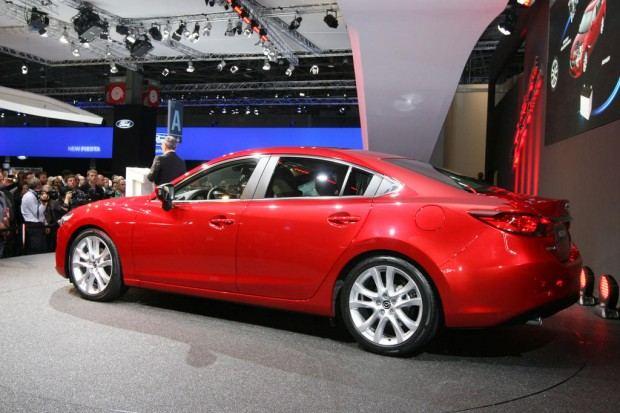 2014-Mazda-6-sedan-02