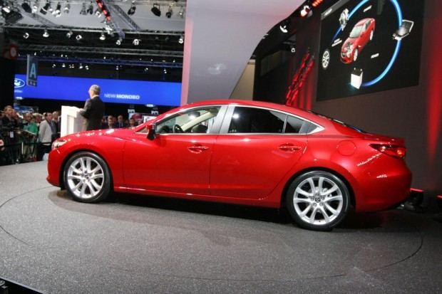 2014-Mazda-6-sedan-03