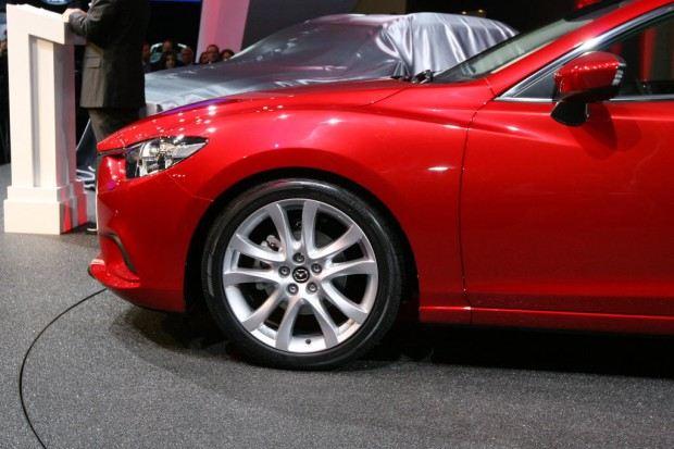 2014-Mazda-6-sedan-04
