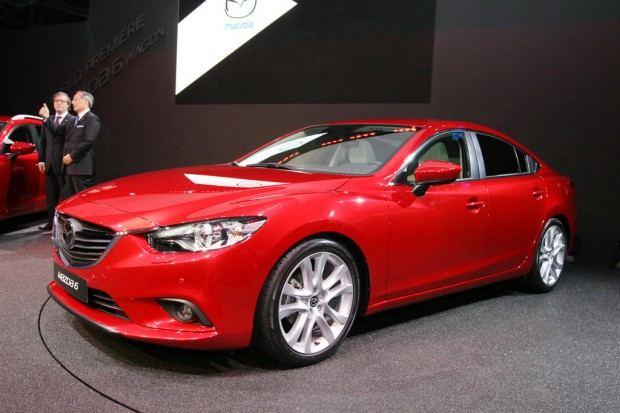 2014-Mazda-6-sedan-08