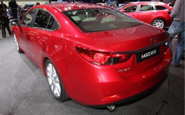 2014-Mazda6-rear-three-quarter-2-1024x640