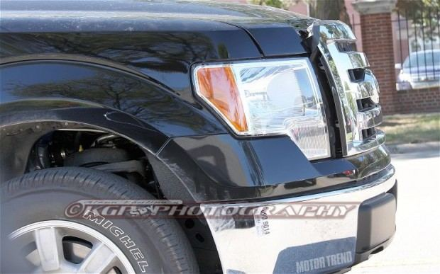 2015-Ford-F-150-Aluminum-Body-front-end-2