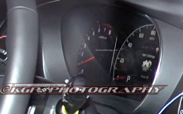 Kia-Cadenza-spy-photo-instrument-cluster-close-1024x640