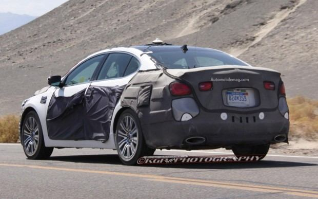 Kia-Cadenza-spy-photo-rear-three-quarter-1-1024x640