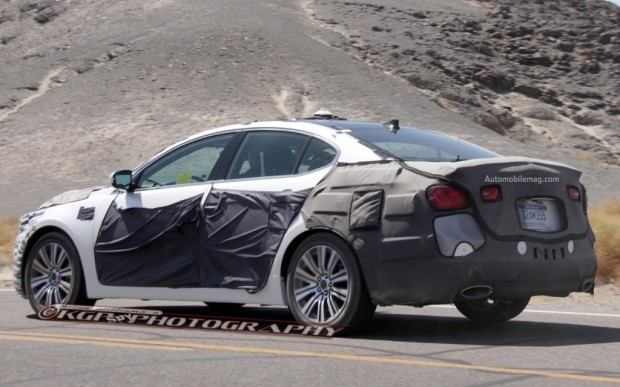 Kia-Cadenza-spy-photo-rear-three-quarter-2-1024x640