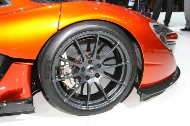 McLaren-P1-Paris-motor-show-13