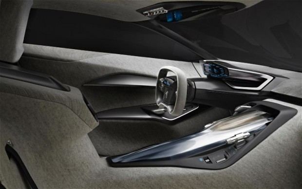 Peugeot-Onyx-cockpit-image-1