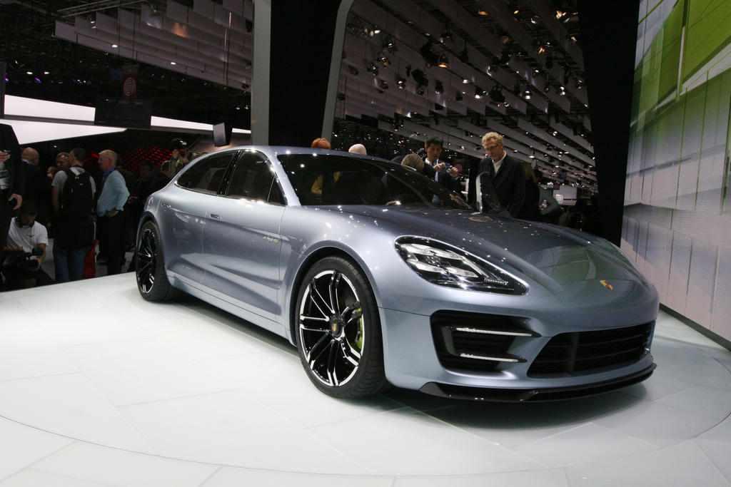 http://saudishift.com/wp-content/uploads/2012/09/Porsche-Panamera-Sport-Turismo-Concept-03-1.jpg