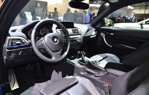 bmw-335i-m-performance-interior-04