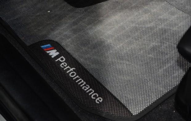 bmw-335i-m-performance-interior-09