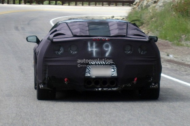 spyshots-2014-chevy-corvette-c7-medium_5