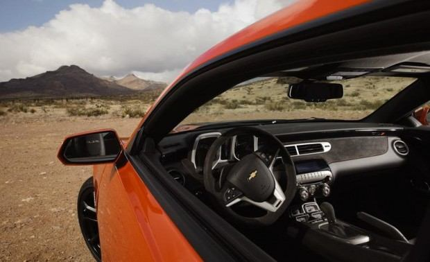2012-chevrolet-camaro-zl1-interior-photo-437230-s-787x481