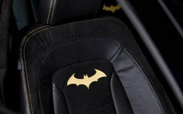2013-Kia-Optima-SX-Limited-Batman-interior-seats