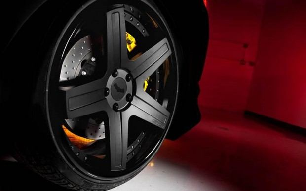 2013-Kia-Optima-SX-Limited-Batman-wheels