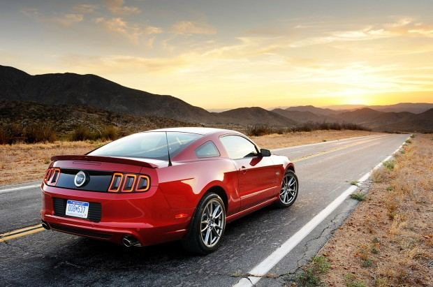 12-2013-ford-mustang-gt-review