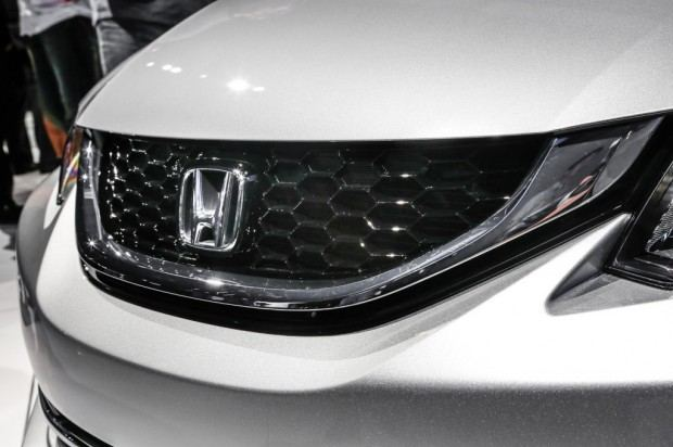 2013-Honda-Civic-front-grille-1024x682