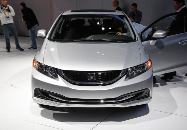 2013-Honda-Civic-front-view