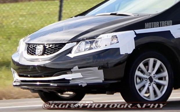 2013-Honda-Civic-prototype-spied-front-grille-grill-bumper-hid-lights-projectors (1)