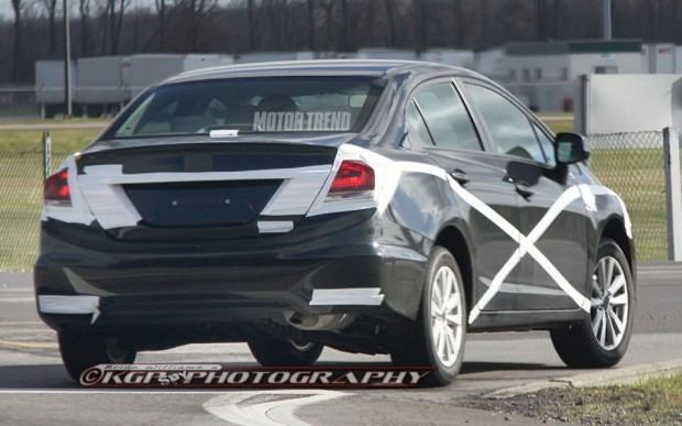 2013-Honda-Civic-prototype-spied-rear-view-1024x640