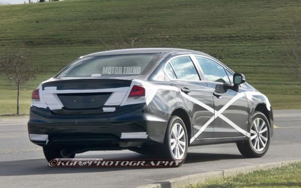2013-Honda-Civic-prototype-spied-right-rear-view-1024x640