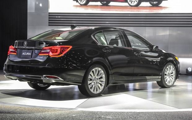 2014-Acura-RLX-rear-right-side-view
