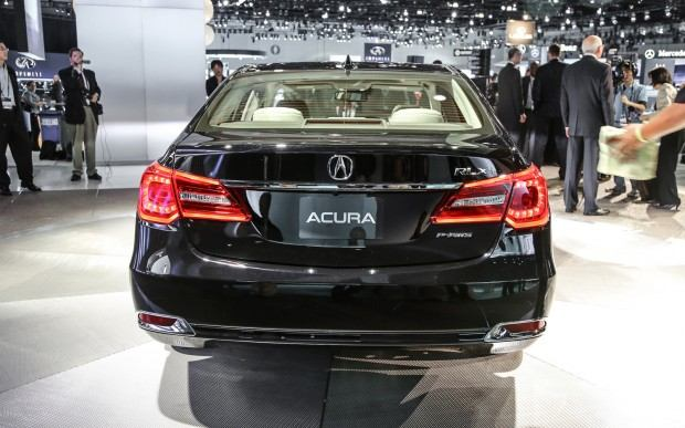 2014-Acura-RLX-rear-view
