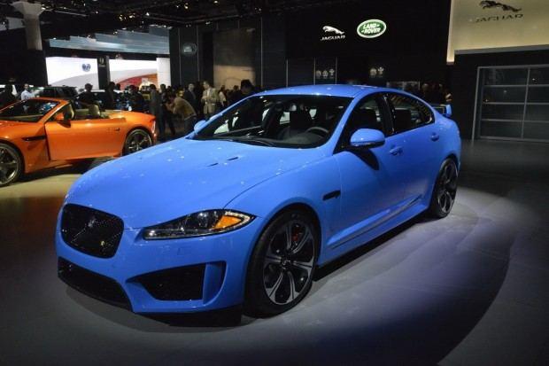 2014-Jaguar-XFR-S-41[2]