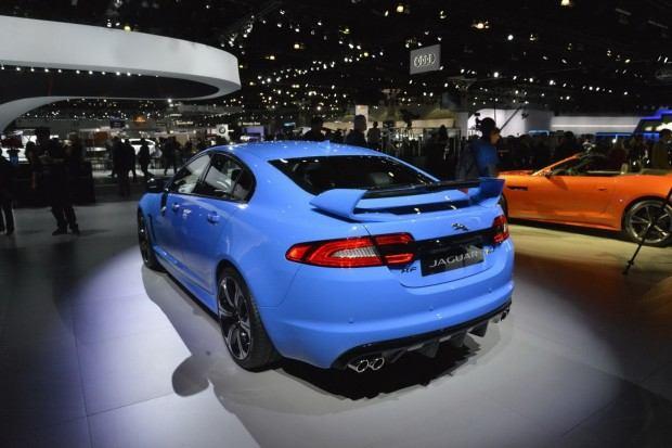2014-Jaguar-XFR-S-46[2]