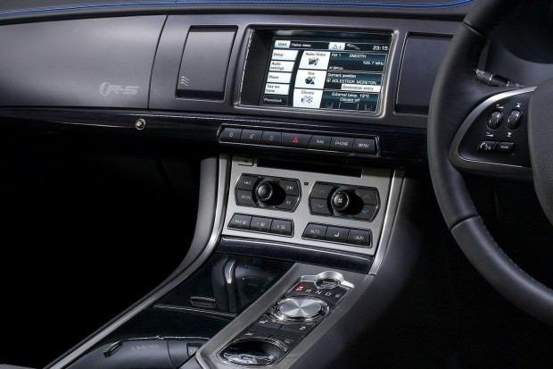 2014-Jaguar-XFR-S-762