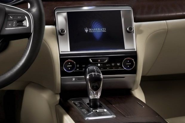 2014-Maserati-Quattroporte-12[2]