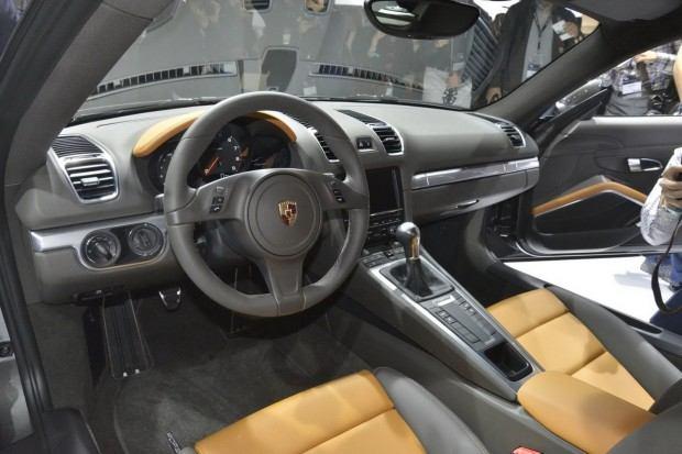 2014-Porsche-Cayman-23[2]