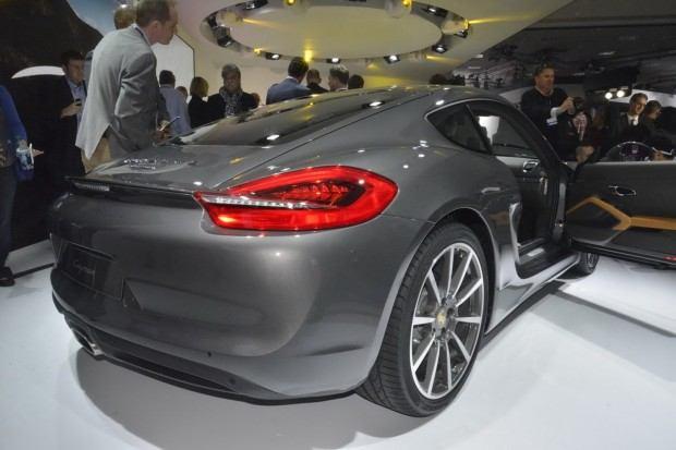 2014-Porsche-Cayman-4[2]