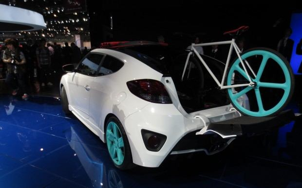Hyundai-Veloster-C3-Roll-Top-Concept-at-LA-Auto-Show-left-rear-2