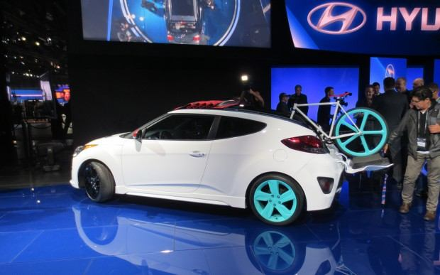 Hyundai-Veloster-C3-Roll-Top-Concept-at-LA-Auto-Show-left-rear-3
