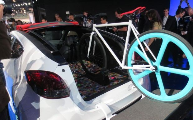 Hyundai-Veloster-C3-Roll-Top-Concept-at-LA-Auto-Show-rear-with-fixie-bicycle-1