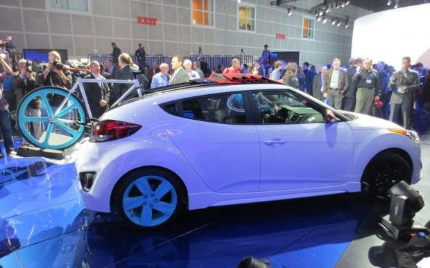 Hyundai-Veloster-C3-Roll-Top-Concept-at-LA-Auto-Show-right-side-1