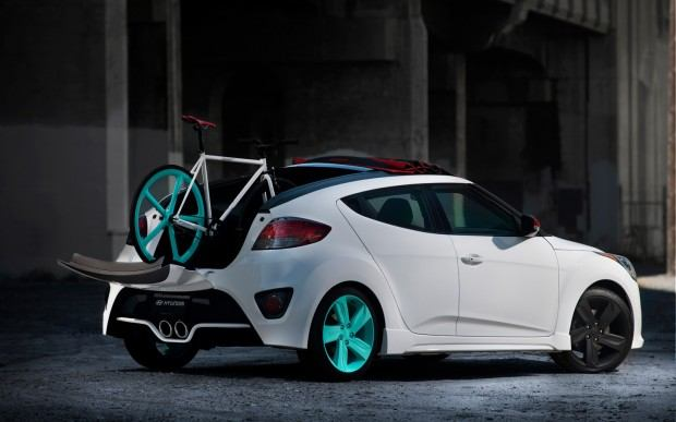 Hyundai-Veloster-C3-Roll-Top-Concept-right-rear-with-fixie-static-2