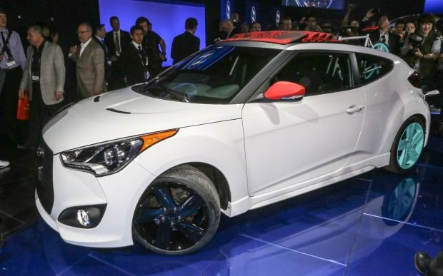 Hyundai-Veloster-C3-Roll-Top-concept-front-three-quarters