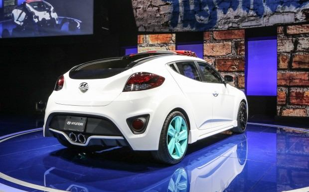 Hyundai-Veloster-C3-Roll-Top-concept-rear-three-quarter