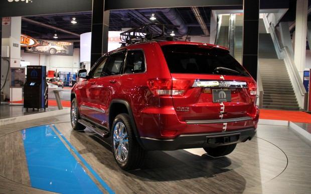 Jeep-Grand-Cherokee-Half-and-Half-rear-three-quarter