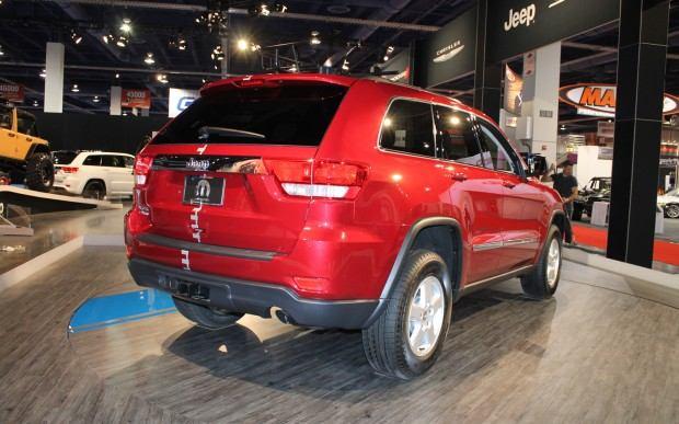 Jeep-Grand-Cherokee-Half-and-Half-rear-three-quarters