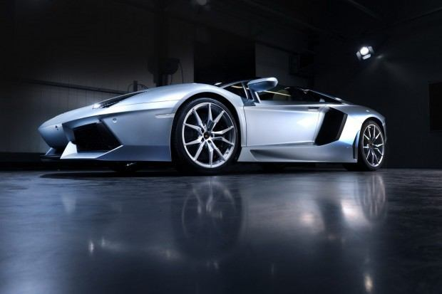 Lamborghini-Aventador-LP-700-4-Roadster-05[2]