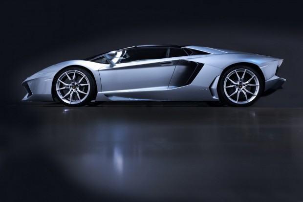 Lamborghini-Aventador-LP-700-4-Roadster-07[2]